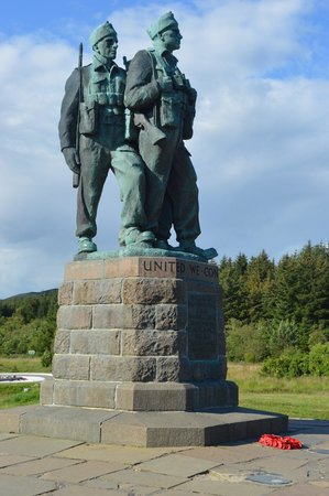Commando Monument: Standing together