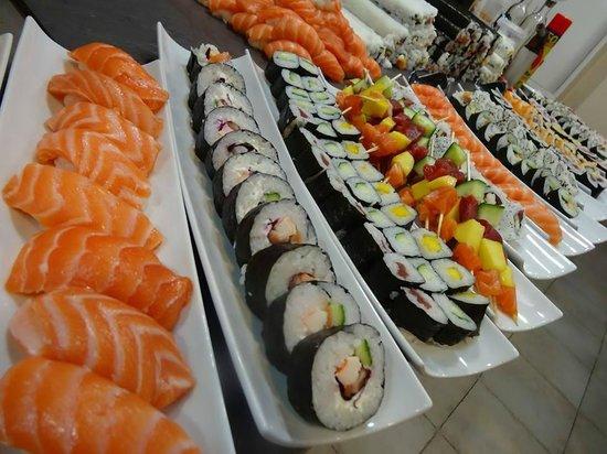 Atarazanas Sushi Bar bandejas variadas