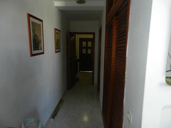 Apartments Del Rey: Corredor