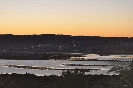 Brenton Hill Self Catering: Sunrise over the lagoon!