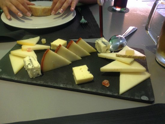 Gastrobar la Kocina: Cheese board