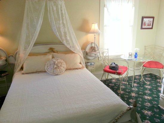 England House B&B: Star Gazer room