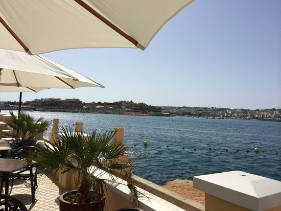 Excelsior Grand Hotel: View of the bay from the beach bar