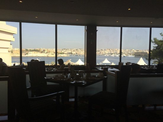 Excelsior Grand Hotel: View from dining room in the daytime