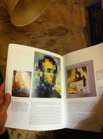 Hostal Blau : Uno de los libros