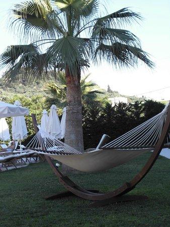 The Lesante Luxury Hotel & Spa: Amaca in giardino