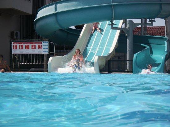 Julian Club Hotel: Pool Slide