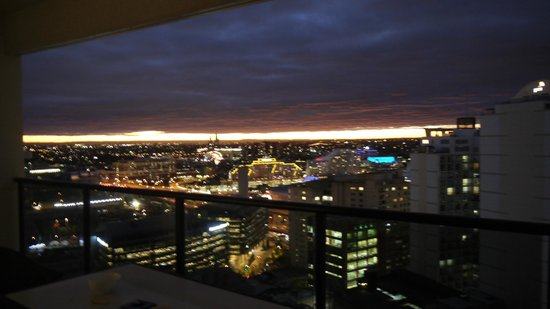 Meriton Serviced Apartments Kent Street: view of darling harbour