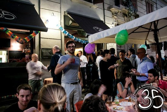 Bar 35 food drinks nightclub via panfilo castaldi 35 for Bar 35 food drinks milano