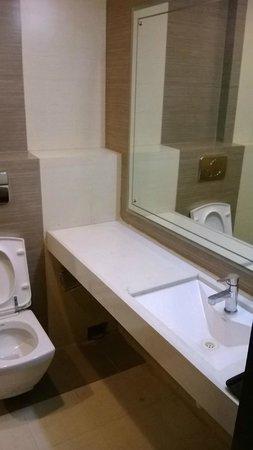 Lords Inn Somnath: Bathroom was clean.
