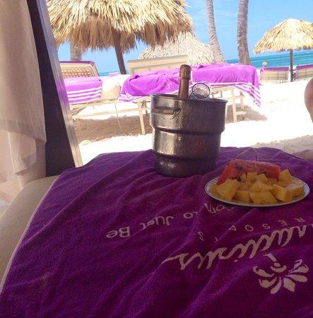 Paradisus Palma Real Golf & Spa Resort: Tomar sol en royal service!