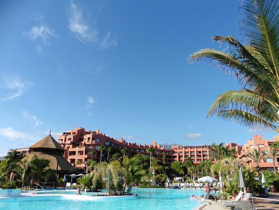 Sheraton La Caleta Resort & Spa, Costa Adeje, Tenerife: View from our poolside loungers