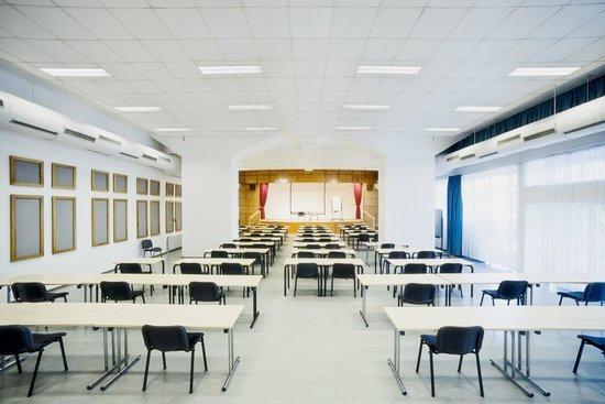 CEU Conference Center: Budapest room