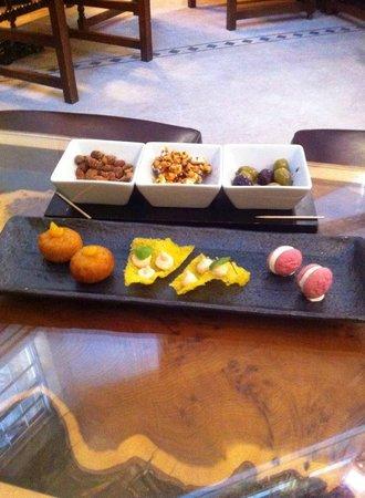 Swinton Park : Pre-dinner nibbles