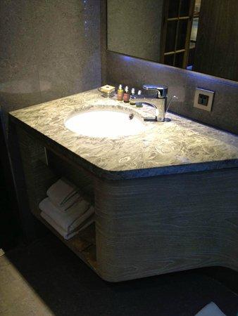 Inhouse Hotel Heritage : Bathroom