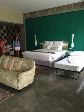 The Henry Hotel Cebu : XL ROOM