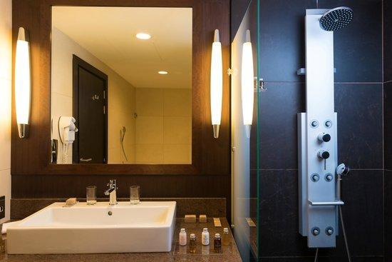 Terrou-Bi : Salle de bains chambre