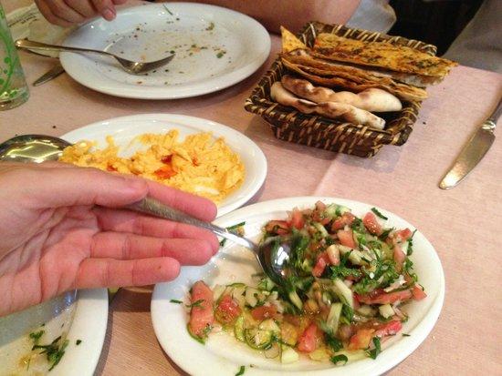 Zubeyir Ocakbasi: Starters of pumpkin hummus and Shepherd salad