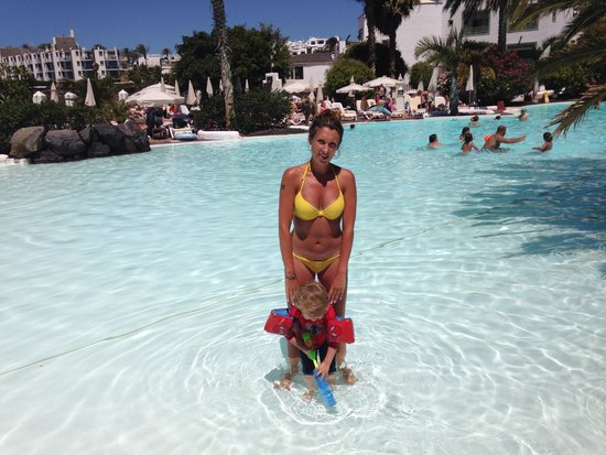 Gran Castillo Tagoro Family & Fun Playa Blanca: The main pool