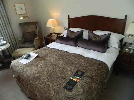 Macdonald Compleat Angler: bedroom