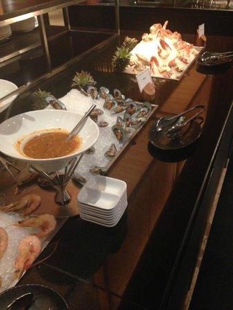 Crowne Plaza Phuket Panwa Beach: buffet