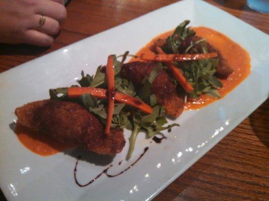 Nona Mia Italian Kitchen: Ravioli  appetizer  on the weekly specials menu