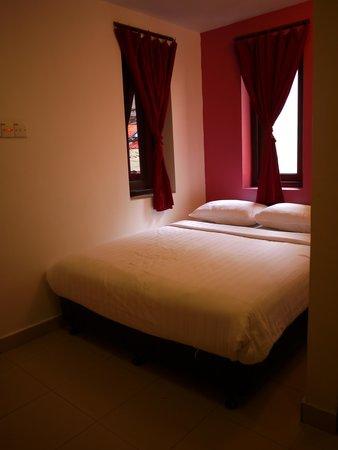 Classic Inn: ベッド
