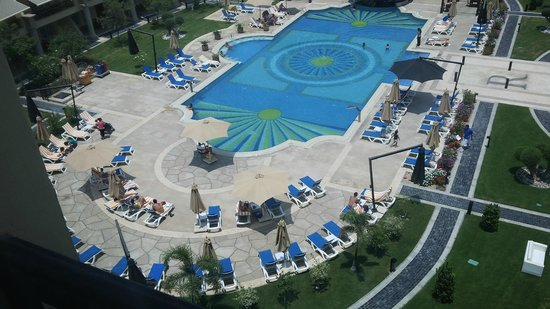 Renaissance Cairo Mirage City Hotel: pool look from top