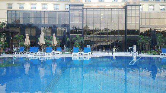 Renaissance Cairo Mirage City Hotel: view beach area