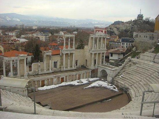 Plovdiv Roman Theatre: ветра там гуляют суровые)