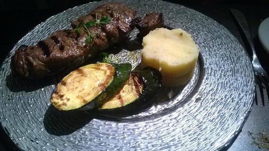 Cornucopia: entrecote marinado 22 €