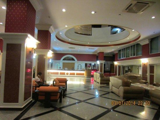 Convenient Park Bangkok : Beautiful lobby