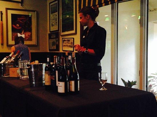 Saddlebrook Resort Tampa: Happy Hour Wine Tasting