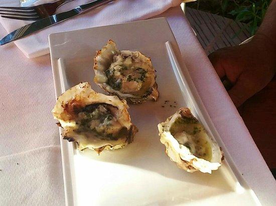 Tia Jass Restaurant: Austern gegrillt