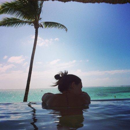 Ambre Resort & Spa: Infinity pool