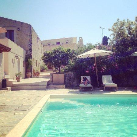 Kapsaliana Village Hotel: Pool at Kapsaliana