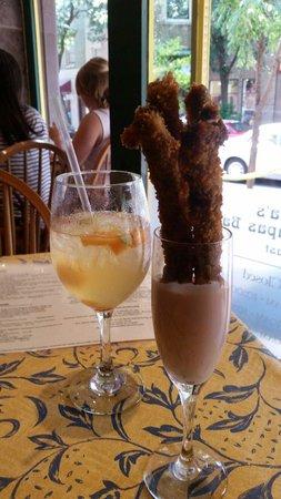 Isabella's Taverna & Tapas Bar: Asparagus fries