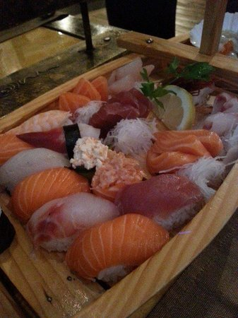 Mami Sushi Restaurant : Selection for two