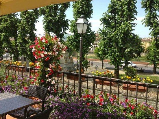 Hotel Silla: Terrace