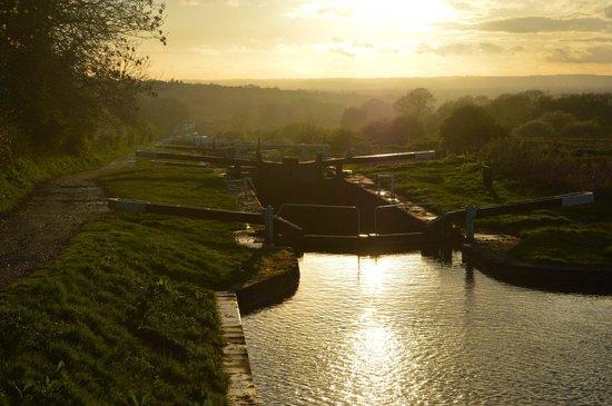 Caen Hill Locks: Peaceful