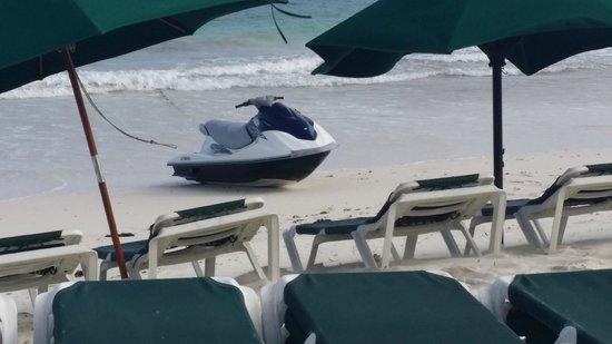Sea Breeze Beach Hotel: Sea Breeze jet ski