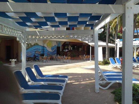 Hotel Club Tropical: around the pool