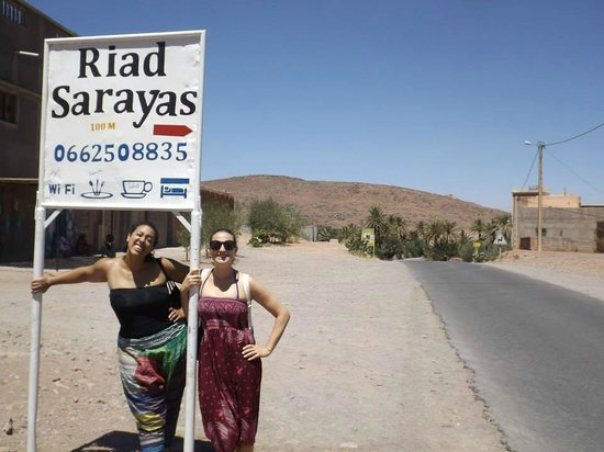 Sarayas: Top of road leading to riad