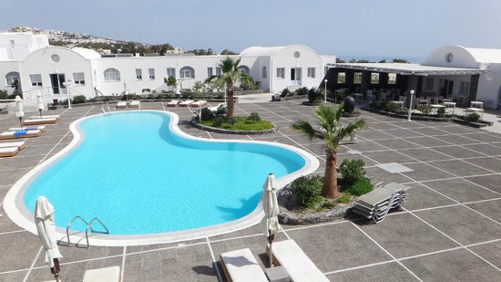 El Greco: Pool with View on Spa and Breakfast restaurant