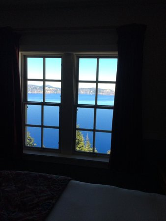Crater Lake Lodge: Crater Lake view from our room.