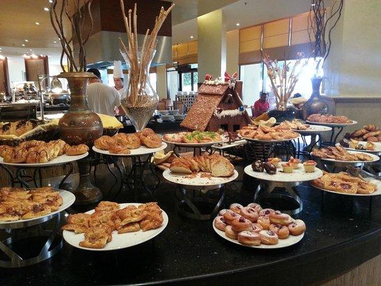 InterContinental Aqaba Resort : sweets for breakfast
