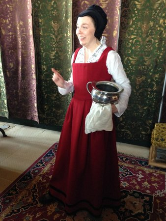 Stirling Castle: Lady in Waiting in the Queen's inner chamber