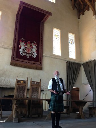 Stirling Castle: Guide ... excellent! Highly entertaining & informative