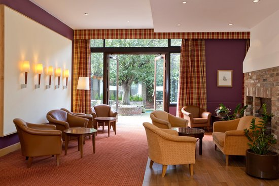 Bedford Hotel: Guest Lounge