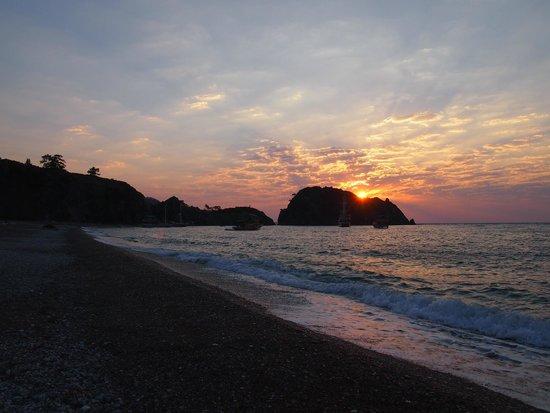 Caretta Caretta Pension: ALBA IN CIRALI